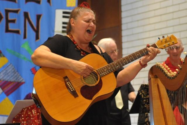 Sonia Bennett  sings